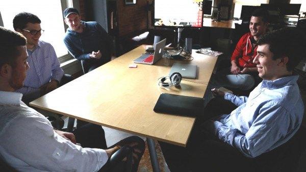 praca w firmie, dyskusja